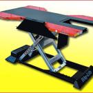 Quad und ATV Hebebühne Max 504: Sie stemmt bis zu 500 Kilogramm