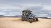 Wüstenfahrzeug: mit spezieller Ausstattung für weites Sandgelände
