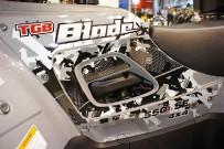 Gut versteckt: die Einspritz-Anlage der TGB Blade 550i 4x4 befindet sich unter der Verkleidung