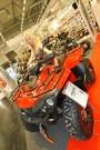 Access AX 700 4WD, Präsentation im Jahr 2010 (!): Wie das Fahrzeug auf den Schweizer Markt kommt und ob dabei auch das Zauberwesen auf der Sitzbank im serienmäßigen Lieferumfang enthalten ist, wird auf dem 1. Quad-Event am 11. und 12. August in Fislisbach präsentiert