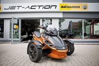 Jet-Action: neben Can-Am ATVs und SeaDoo Jet-Booten auch Can-Am Spyder Roadster im Programm
