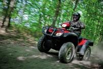 Honda Foreman TRX500FPA: mit elektrischer Servolenkung, die bei hohem Tempo die Fahrstabilität erhöht