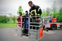 Initiative Glückliche Kinderherzen, Ausfahrt 2012: Einsatz auf der Feuerwehr-Drehleiter