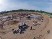 Schlammschlacht in Ludwigslust: Mudfest 2013 mit 30 Meter langem, 1 Meter tiefem Schlammloch