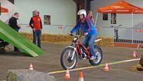 bike-austria 2013: Indoor-Trial-Parcours mit Elektro-Bikes von GasGas