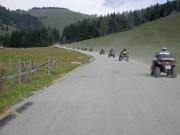Allrad Horn Herbst Ausfahrt 2013: Schottersträßchen in einem der größten Almen-Gebiete in den Alpen