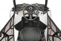 Polaris Sportsman ACE: zentrale Sitzposition und Bedienelemente wie im PKW