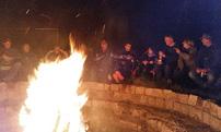 Polaris & Friends Treffen 2014 vom 16. bis 18. Mai, Lagerfeuer am Samstagabend: Tolle Stimmung unter Gleichgesinnten; Foto: Quadfreunde Harz