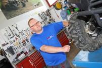 Franz Haselmaier als Inhaber von Hasi Moto in Eberschwang ist kein Unbekannter in der Renn-Szene: Neben ATV und Quads ist er auf Zubehör und Teile für den Rallye-Rennsport spezialisiert