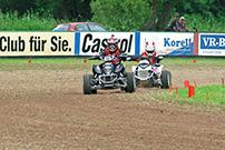 4. Quad Challenge Lauf 2014 in Melsungen, Klasse 5: Marlon Dreier vor Phil Grünberg (71)