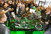 Motorradwelt Bodensee 2015: ein begeistertes Publikum stimmt sich auf die neue Saison ein