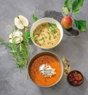 'Power-Suppen' von Dagmar von Cramm: Apfel-Zwiebel-Suppe und Paprika-Suppe