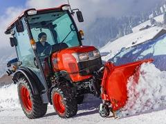 Kubota ST-Serie: mit hoher Hydraulikleistung sowie Bedienerfreundlichkeit durch optimierte Komfortkabine mit hervorragender Rundumsicht und serienmäßiger Klimaanlage